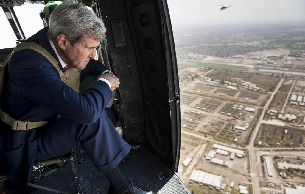 John Kerry during his visit to Iraq, Photo AP/Brendan Smialowski, 2014